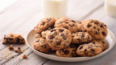 Plate of edible cookies!